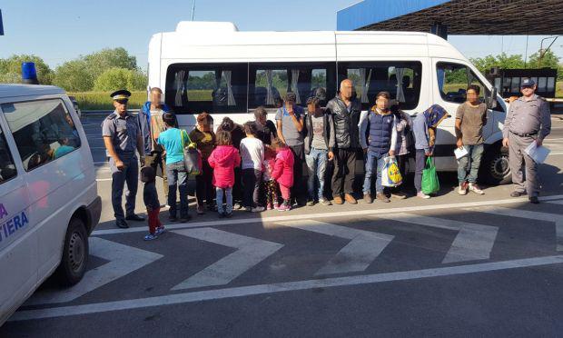 <em>Hír szerkesztése</em> Tizenhét bevándorlót állítottak meg Nagylaknál