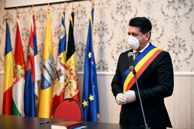 <em>Hír szerkesztése</em> Letette az esküt Antal Péter pécskai polgármester és a helyi tanács