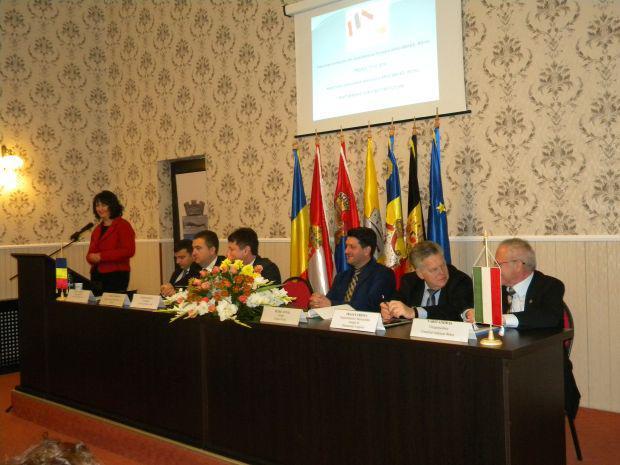 <em>Hír szerkesztése</em> Határ menti együttműködésekről tanácskoztak Arad és Békés megyei településvezetők [AUDIÓ]