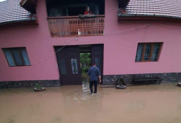 <em>Hír szerkesztése</em> Megyeszerte gondot okozott az esővíz