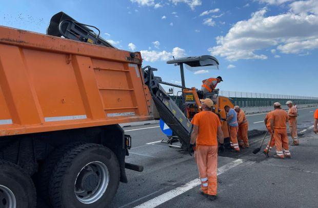 <em>Hír szerkesztése</em> Aszfaltoznak az A1-es autópályán Pécska és Nagylak között
