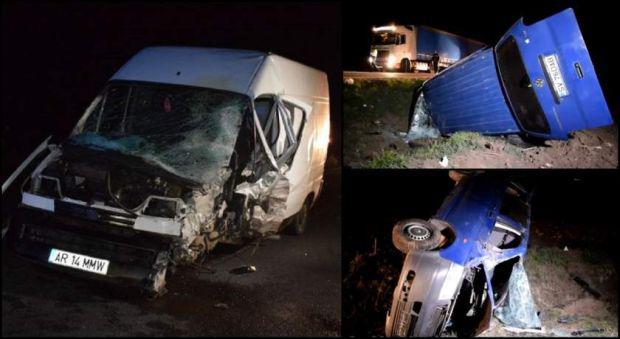 <em>Hír szerkesztése</em> Frontálisan ütközött két kisbusz