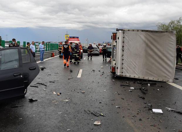 <em>Hír szerkesztése</em> Tömegbaleset történt az autópálya-határátkelőnél [FRISSÍTVE]
