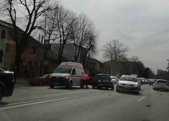 <em>Hír szerkesztése</em> Balszerencsék sora a Victoriei úton