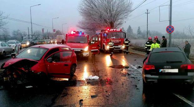 <em>Hír szerkesztése</em> Két autó ütközött a zimándi úton [FRISSÍTVE]