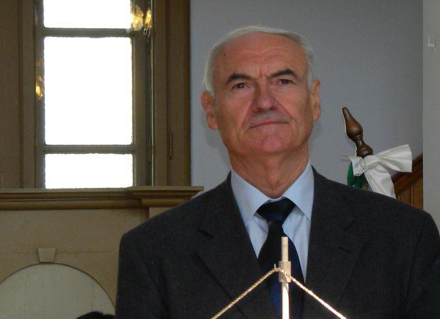 <em>Hír szerkesztése</em> Újságírót jelöl Ezüstfenyő-díjra az aradi RMDSZ