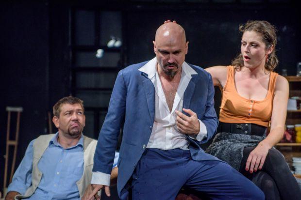 <em>Hír szerkesztése</em> Kamaraszínház: Székely Csaba-darabok a nyári évadban