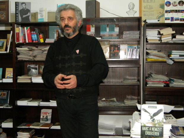 <em>Hír szerkesztése</em> Borbély Zsolt Attila maradt az EMNT Arad megyei elnöke