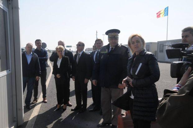 <em>Hír szerkesztése</em> Az autópálya-határátkelőn tartott szemlét a belügyminiszter