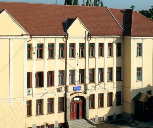 <em>Hír szerkesztése</em> Nagyszabású felújítás a Csiky Gergely Főgimnáziumban [AUDIO]