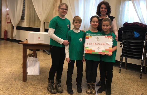 <em>Hír szerkesztése</em> Csodasarkot nyertek a Csiky-s diákok