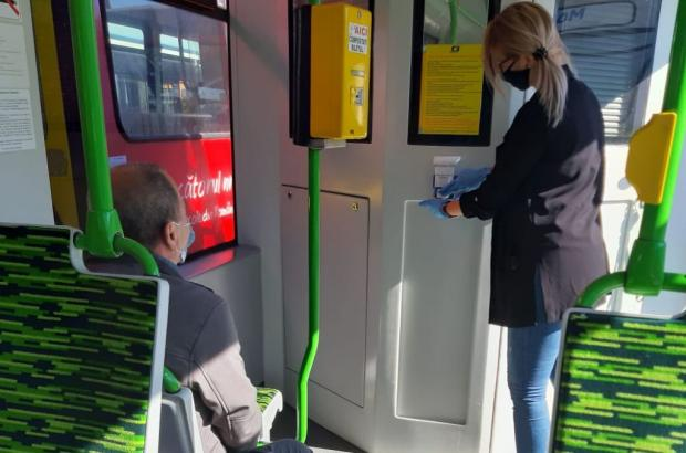 <em>Hír szerkesztése</em> Kézfertőtlenítőket helyeztek el a tömegközlekedési járműveken