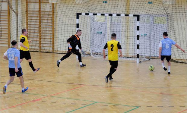 <em>Hír szerkesztése</em> Visszavágott Gyula az aradi önkormányzati focicsapatnak