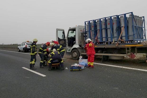 <em>Hír szerkesztése</em> Rosszul lett egy gázpalackokat szállító sofőr a sztrádán