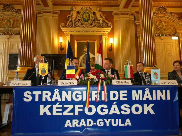 <em>Hír szerkesztése</em> Közös programokat tervez Arad és Gyula [AUDIÓ]
