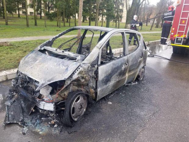 <em>Hír szerkesztése</em> Kiégett egy gépkocsi Borosjenőben