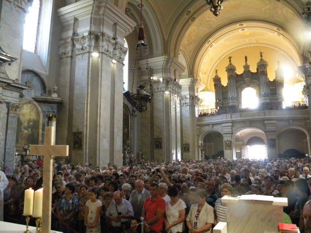 <em>Hír szerkesztése</em> Ünnepi miserend a máriaradnai Bazilikában
