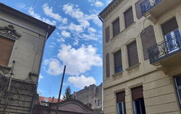 <em>Hír szerkesztése</em> Rossz szomszédság, török átok