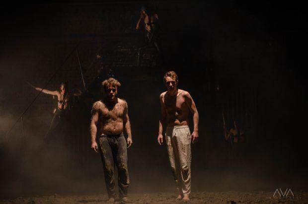 <em>Hír szerkesztése</em> Macbeth újragondolva: fiatal aradi rendező bemutatkozása a kamaraszínházban