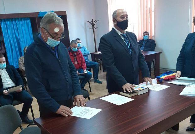 <em>Hír szerkesztése</em> Megalakult az új képviselőtestület Nagyiratoson