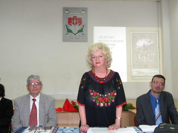 <em>Hír szerkesztése</em> Bemutatták Olasz Angéla hon- és nemzetismereti könyvét [AUDIÓ]