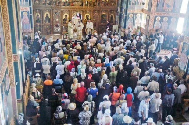 <em>Hír szerkesztése</em> Mégsem mehetnek templomba a hívek ortodox húsvétkor