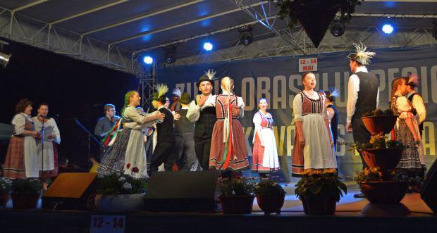 <em>Hír szerkesztése</em> Három éjjel, három nap mulattak Pécskán