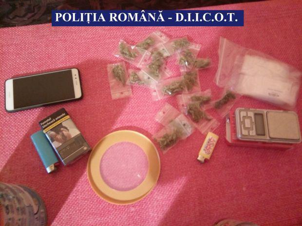 <em>Hír szerkesztése</em> Drogkereskedőkre csaptak le az aradi rendőrök