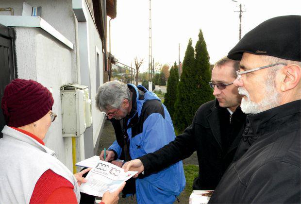 <em>Hír szerkesztése</em> Minority Safe Pack: Háztól házig gyűjti az aláírásokat az RMDSZ