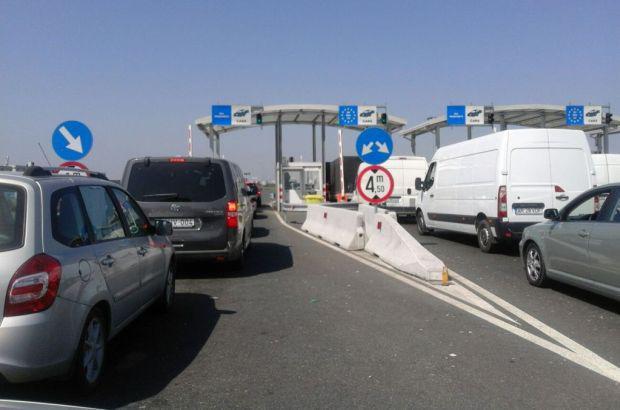 <em>Hír szerkesztése</em> Egyórás várakozási idő volt az autópálya-határátkelőnél
