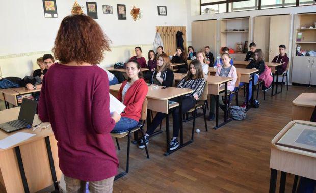 <em>Hír szerkesztése</em> Az új tanévben csökkennek az iskolai óraszámok