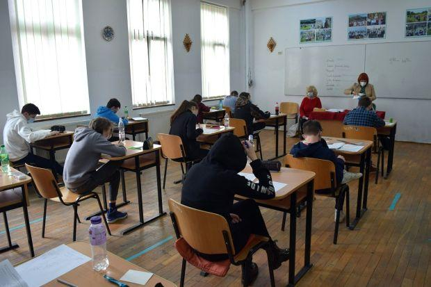 <em>Hír szerkesztése</em> Szerdán folytatódik a tanítás