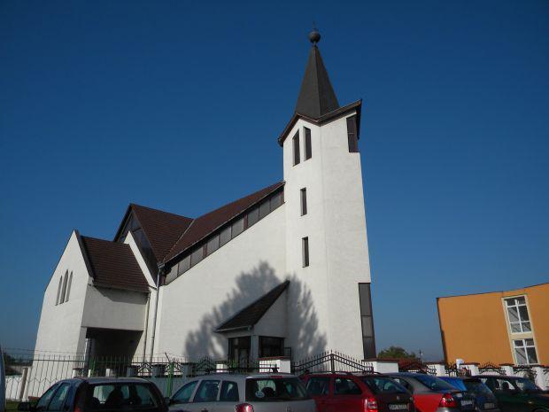 <em>Hír szerkesztése</em> Csiha Kálmánra emlékeztek a tízéves gáji református templomban [AUDIÓ]