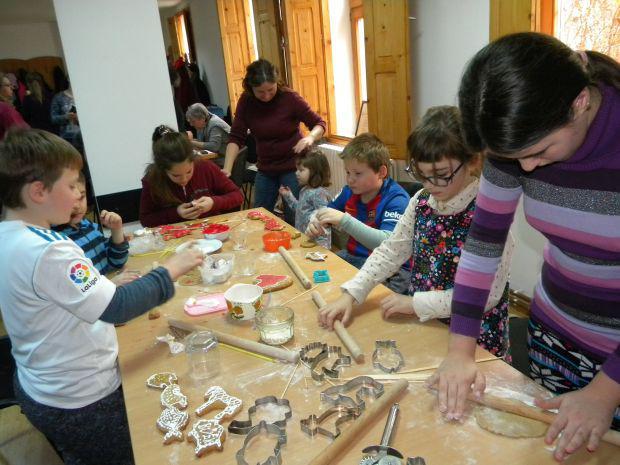 <em>Hír szerkesztése</em> Ünnepi kézműves-foglalkozások gyerekeknek [AUDIÓ]