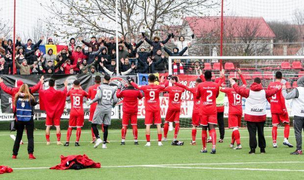 <em>Hír szerkesztése</em> Sima UTA-győzelem a szezonnyitón