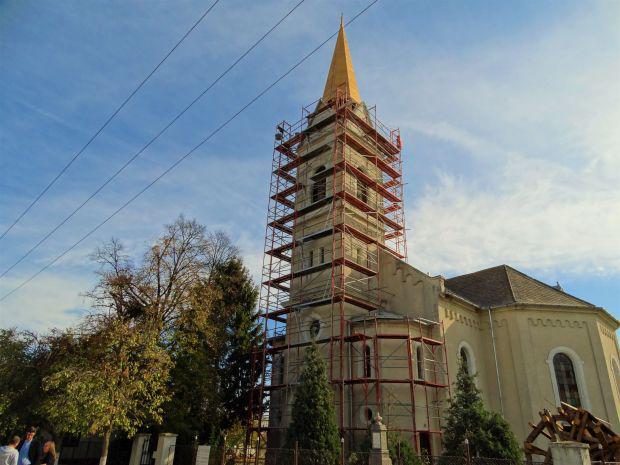 <em>Hír szerkesztése</em> Az evangélikus templom ünnepére készülnek Újvarsándon