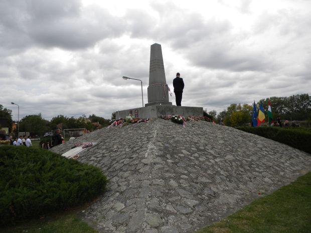 <em>Hír szerkesztése</em> Október 6-án két busz indul a Szabadság-szobortól a Vesztőhelyre