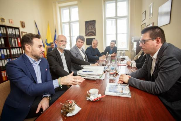 <em>Hír szerkesztése</em> Vincze Loránt: fontos a schengeni csatlakozás, a kisebbségi törvény és az agrártámogatások megőrzése