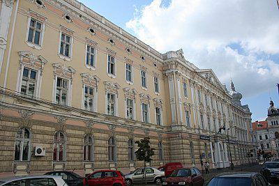 <em>Hír szerkesztése</em> Magyarországi romántanárokat készítenek fel Aradon