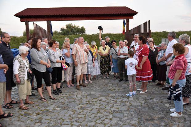 <em>Hír szerkesztése</em> Budapesti adakozás a pécskai közösségi házért