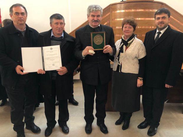 <em>Hír szerkesztése</em> Pro Ecclesia-díjat kapott a zeréndi egyházközség