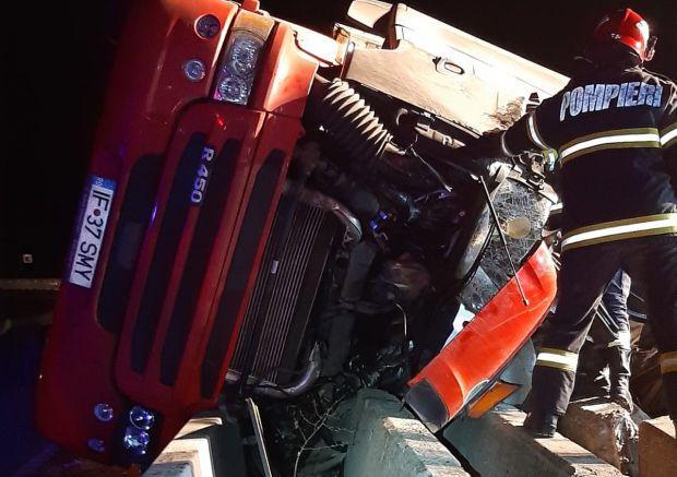 <em>Hír szerkesztése</em> Meghalt egy fiatal kamionos az autópálya-kijárónál