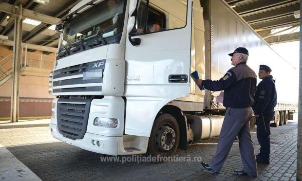 <em>Hír szerkesztése</em> Több órás kamionsor a román–magyar határon [VIDEÓ]