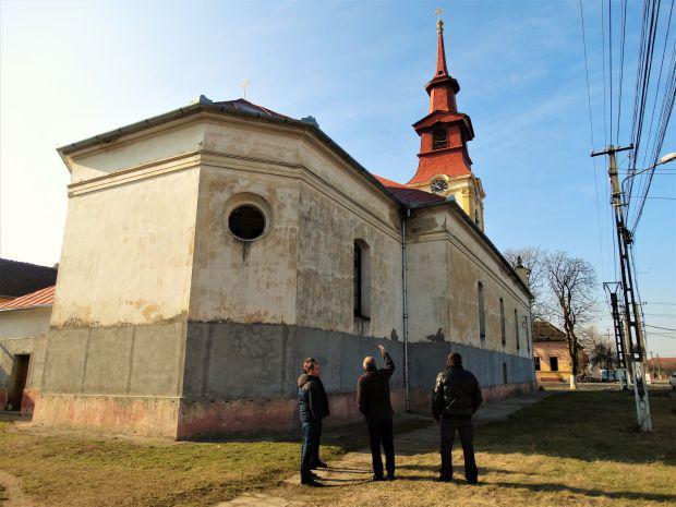 <em>Hír szerkesztése</em> Felújították a németszentpéteri katolikus templomot