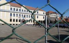 <em>Hír szerkesztése</em> Online oktatásra térnek át az aradi iskolák [FRISSÍTVE]