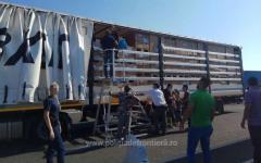 <em>Hír szerkesztése</em> Több mint negyven menekült egy kamion rakterében [VIDEÓ]