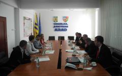 <em>Hír szerkesztése</em> Szorosabbra fűzi az együttműködést Arad és Békés megye