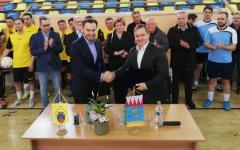 <em>Hír szerkesztése</em> A Kézfogások 25. évfordulóját ünnepli Arad és Gyula [AUDIÓ]