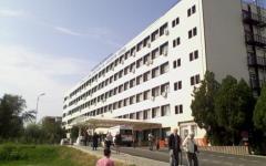 <em>Hír szerkesztése</em> Két hétre kiürítik a kórházakat