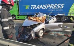 <em>Hír szerkesztése</em> Várakozó kamionba rohant egy személyautó a sztrádán